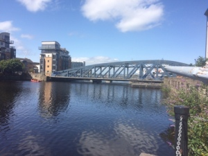 Photo of Victoria Bridge, with the rubbish cleaned away